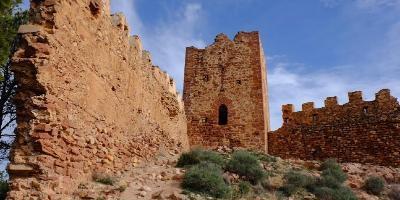 Rutas Pueblos-Nocturna al castillo de Serra-Night route to Serra Castle-Nocturna al castell de Serra