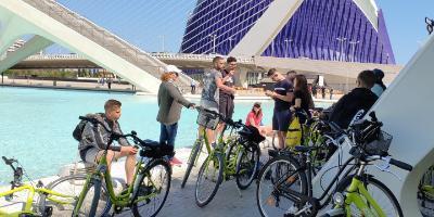 CBM Visitas Culturales-Un Paseo en Bicicleta por los puentes de Valencia-A bike ride through the bridges of Valencia.-Un passeig amb bicicleta pels ponts de València.