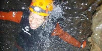Viunatura-Espeleología acuática en el corazón de Espadán-Water caving in the heart of the Espadán mountains-Espeleologia aquàtica en el cor d'Espadà