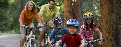 Cofrentes Turismo Activo-Comemillas en familia-Comemillas family outing-Corremilles en família