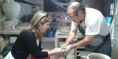 La Cerámica Valenciana de José Gimeno en Manises-Practica el arte de la cerámica-Try the art of pottery-Practica l'art de la ceràmica