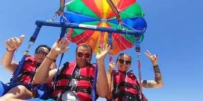 Parasailing Torrevieja-Torrevieja desde el aire. ¡Vuela en parasailing!-Torrevieja from the air. A parasailing flight-Torrevieja des de l'aire, vola en parasailing!