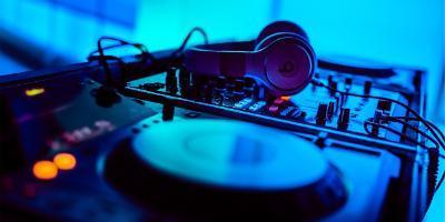 Viverando Music-Experiencia DJ por un día-Dj for one day-Experiència DJ per un dia
