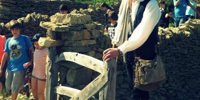 Albergue la Parreta-Descubre la piedra en seco-Discover the dry stone-Descobreix la pedra en sec