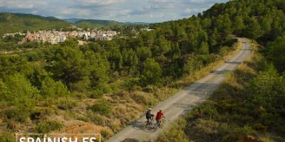 SPAINISH-Baja en bici por la Vía Verde y duerme como un rey en Navajas-Cycle through the Green Way and sleep like a king in Navajas-Baixa en bici per la Via Verda i dorm com un rei en Navaixes