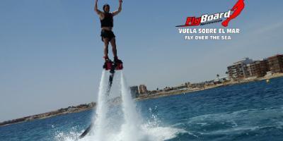 Flyboard Torrevieja-Vuela sobre el mar con flyboard-Fly over the sea on a flyboard-Vola sobre el mar amb flyboard