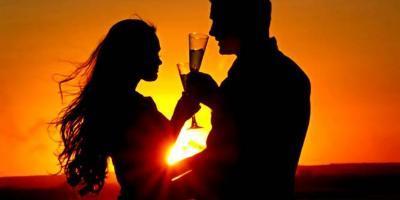 RENTYACHTWORLD.ES-Salida privada romántica en velero-Romantic sailing for couples-Eixida privada romàntica en veler