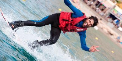 CABLE SKI BENIDORM-Escuela de esquí náutico y wakeboard-Wakeboarding and waterski school-Escola de equí náutic i wakeboard