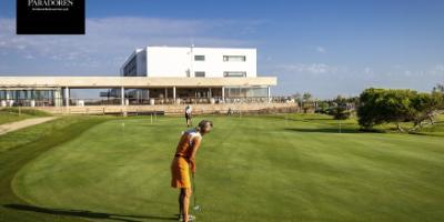 Golf baptism and lunch or tapas at the Parador el Saler