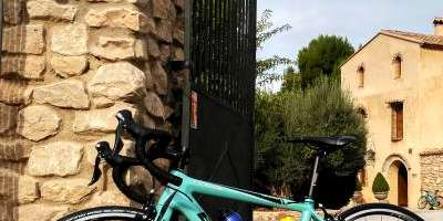Discover Valencia by road bike