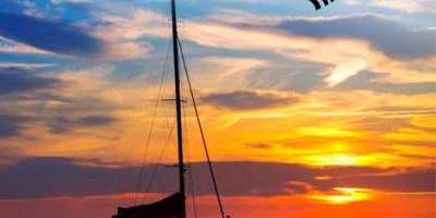 Chill out and watch the sunset on a catamaran in Valencia