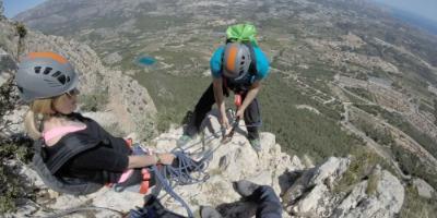 Puja i explora les vies ferrades per cims mediterranis