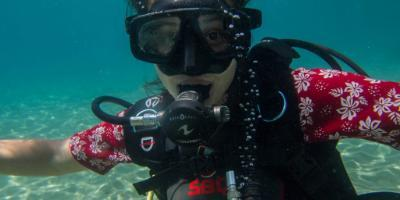 Try dive with marine biologists