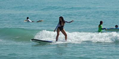 Improve your surfing or SUP skills in El Campello