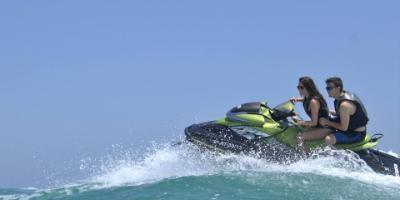 Adrenaline in Oropesa with jet skiing