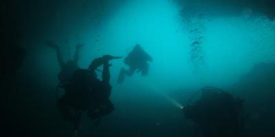 Especial cavernas: buceo en Serra Gelada