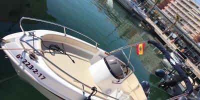 Alquiler de barco sin titulación en Santa Pola