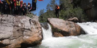 Aquatic canyoning with zip line