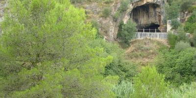 The Neanderthal lair in the Mediterranean
